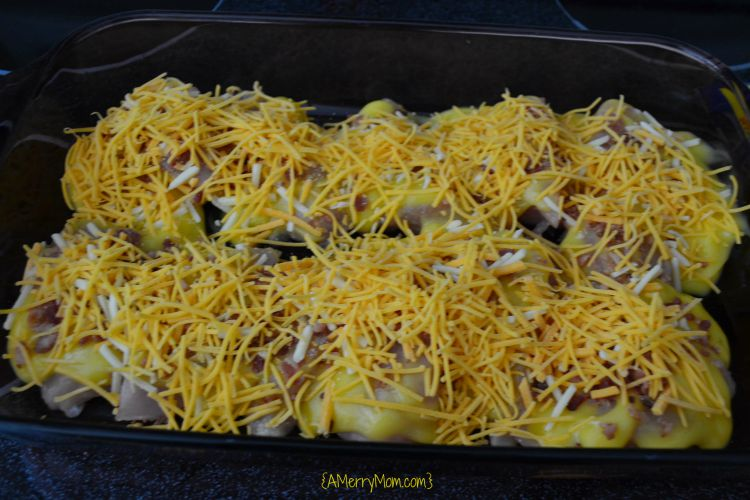 Easy cheesy baked chicken | AMerryMom.com